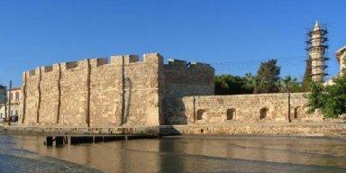 """""""Ξέχασαν"""" και κλείδωσαν τoυρίστες μέσα στο κάστρο της Λάρνακας"""