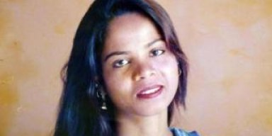 Asia Bibi: Pakistan acquits Christian woman on death row