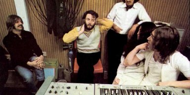 On anniversary of rooftop concert, the Beatles and Peter Jackson announce new film